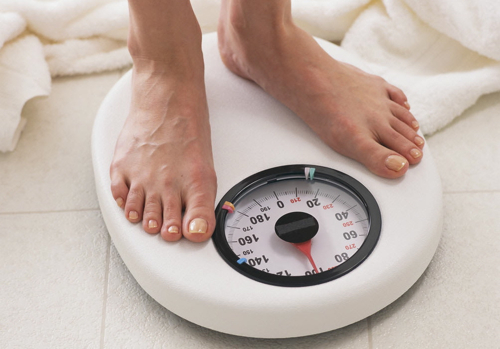 feet-on-scales