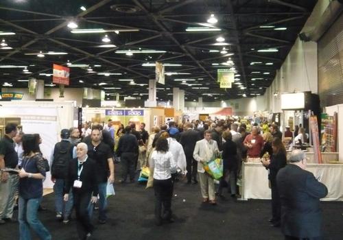 expo-west-aisle